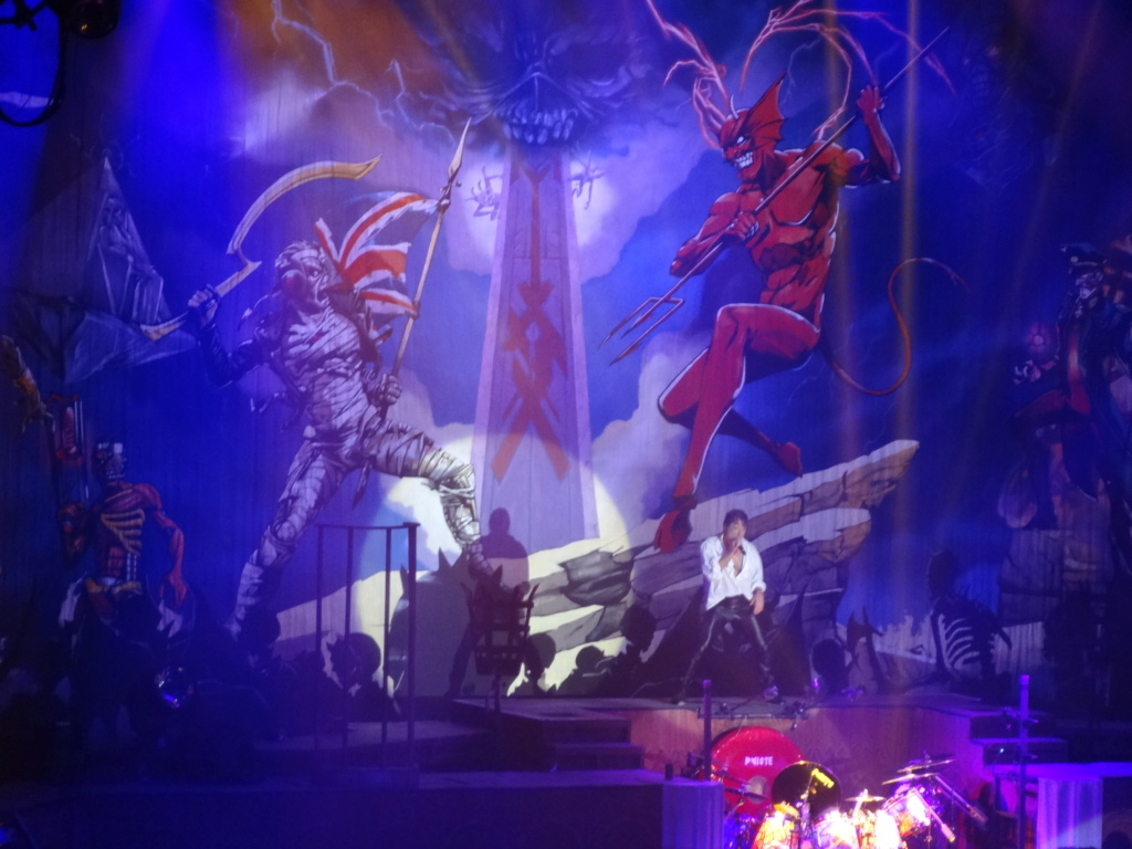 IRON MAIDEN : Paris, AccorHotels Arena, 6/7/18 Dsc03029