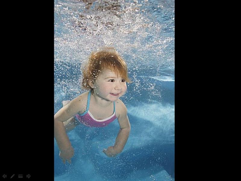 Bébé sous l'eau 1610