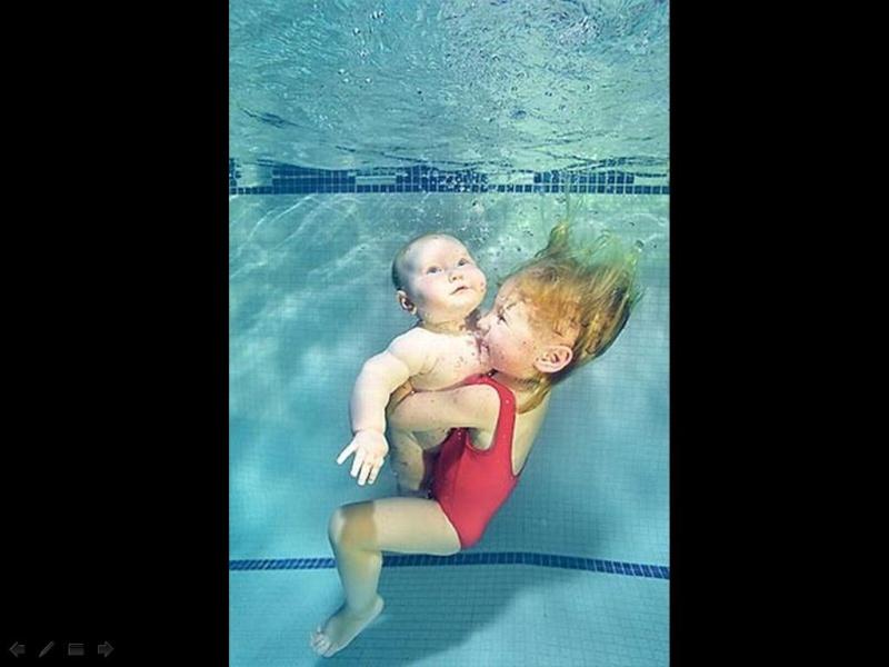 Bébé sous l'eau 810