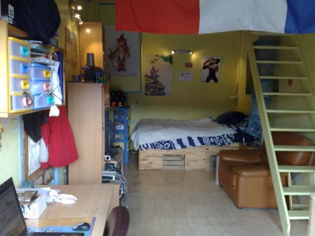 demande de conseil pour décorer une chambre rouge et noire a Chambr10