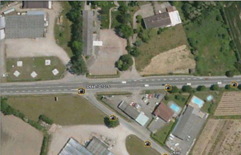 Statue de la Liberté = les répliques découvertes grâce à Google Earth - Page 3 Ra2va_10