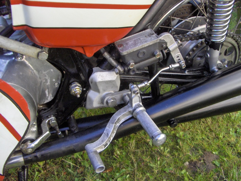 CB 750 QUI PUE PAS DE LA GUEULE Honda_17