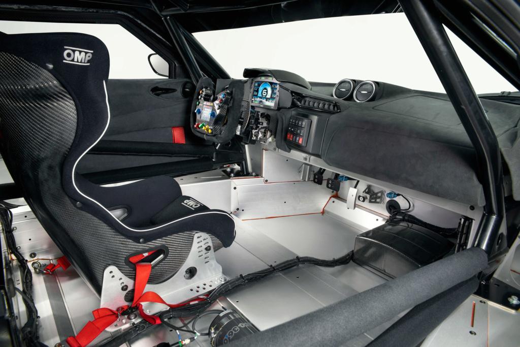 Una Lotus Evora GT4 per i piloti privati Z_lotu17