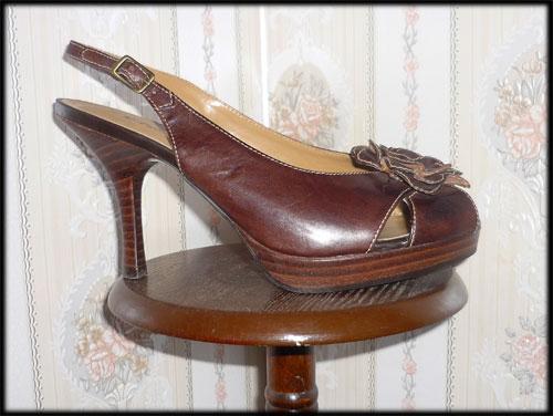 Bottes et escarpins en pagaille Etam310