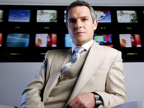 Nueva teleserie de TVN: Los exitosos Pells Ricard10