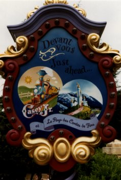 Casey Jr. - le Petit Train du Cirque à Disneland Paris Casey_10
