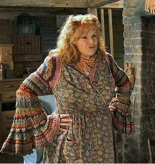 Molly Weasley Mollyw10