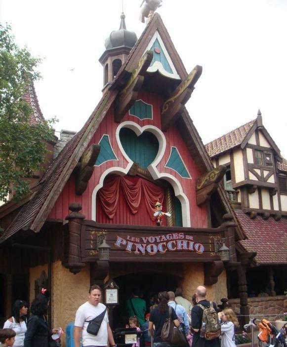 Les Voyages de Pinocchio à Disneyland Pinoc110