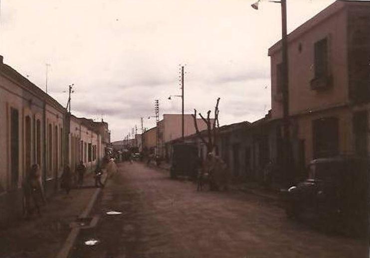 Photo 1971/72 Pourriez-vous me dire de quelle rue s'agit-il? Ain_m_33