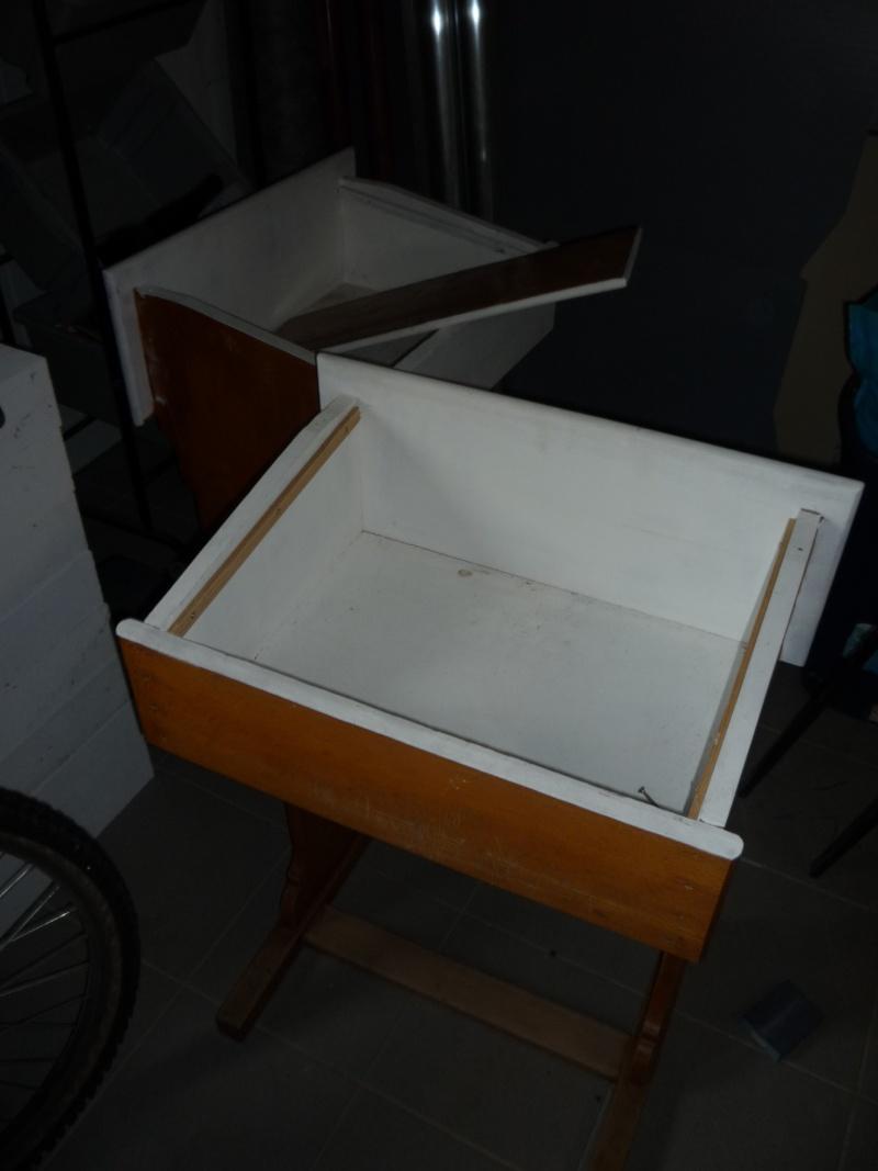 Comment construire sa propre vitrine, son propre meuble de présentation !  P1020336