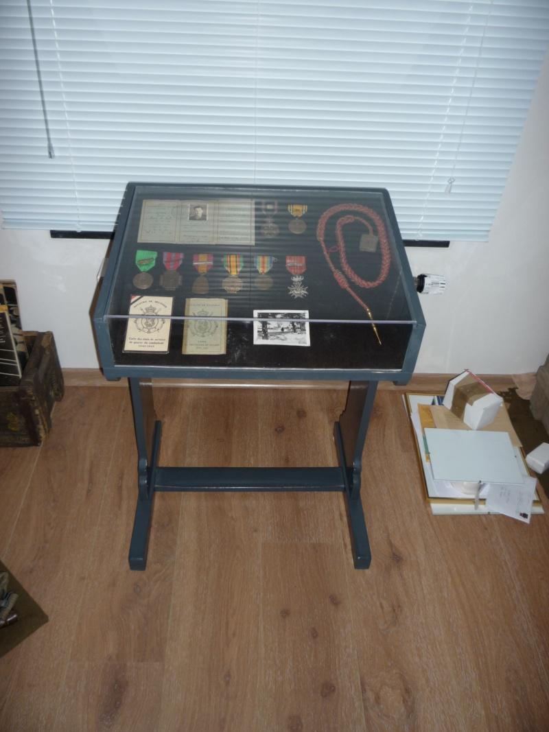 Comment construire sa propre vitrine, son propre meuble de présentation !  P1020337