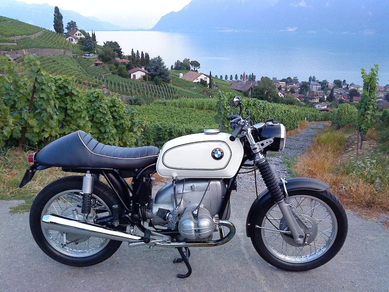 C'est ici qu'on met les bien molles....BMW Café Racer - Page 3 Dsc00010
