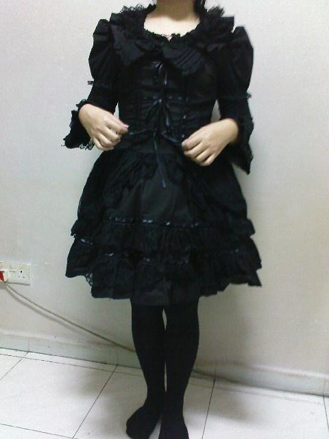 CLEARING MY LOLITA DRESSES !! Dsc01710