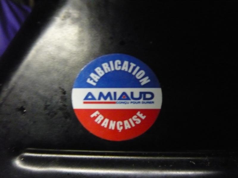 recherche autocollant amiaud P1000014