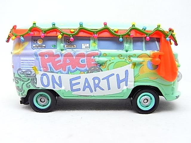 Filmore saves Christmas - Hooman (FL) - Grem (Cars 2) R0010712