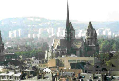 Edifices religieux - Page 7 Dijon_10