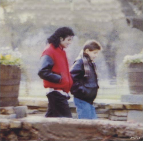 Collection MJ-Story : Michael et les animaux ^^ - Page 3 Cover_10