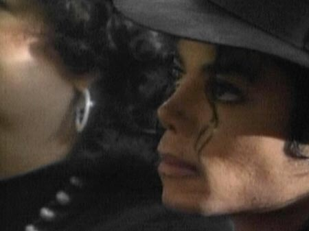 Collection MJ-Story : Michael et les animaux ^^ - Page 3 Funera10