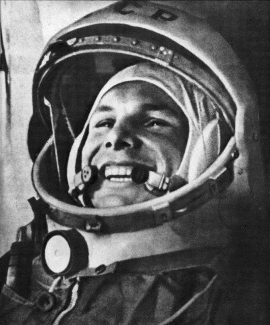 50 ème anniversaire Vol Gagarine - Page 2 150-0110