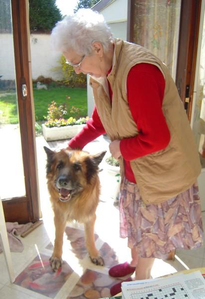 Chez Mamie (2 avril 2010) Vip-ma10