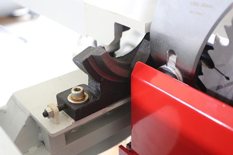 Scie à format Holzprofi FPM3200VR - Page 3 05_jui37