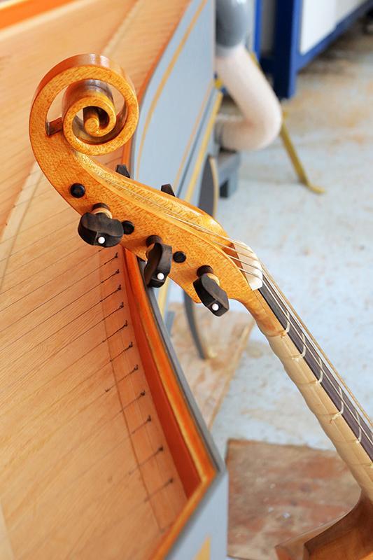 Découverte de la lutherie et fabrication d'une viole de gambe... - Page 37 09_aou18