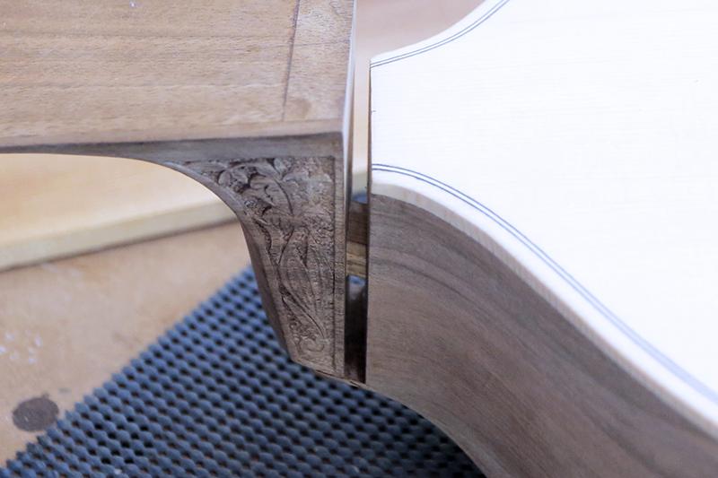 Basse de viole en noyer et à six cordes - Page 8 14_nov20