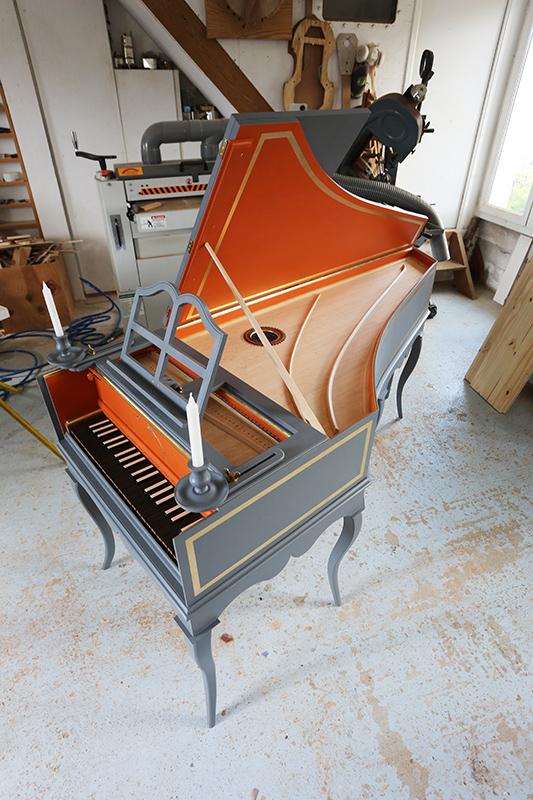 [Lutherie] Fabrication d'un clavecin. - Page 23 23_mai37