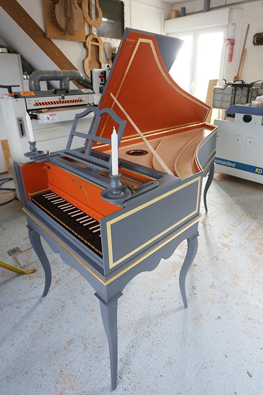 [Lutherie] Fabrication d'un clavecin. - Page 23 23_mai47