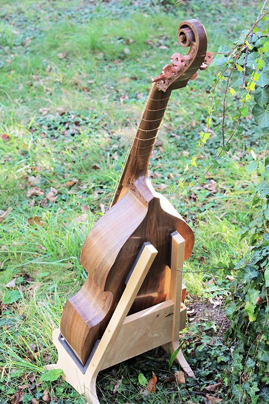 Basse de viole en noyer et à six cordes - Page 10 23_nov29