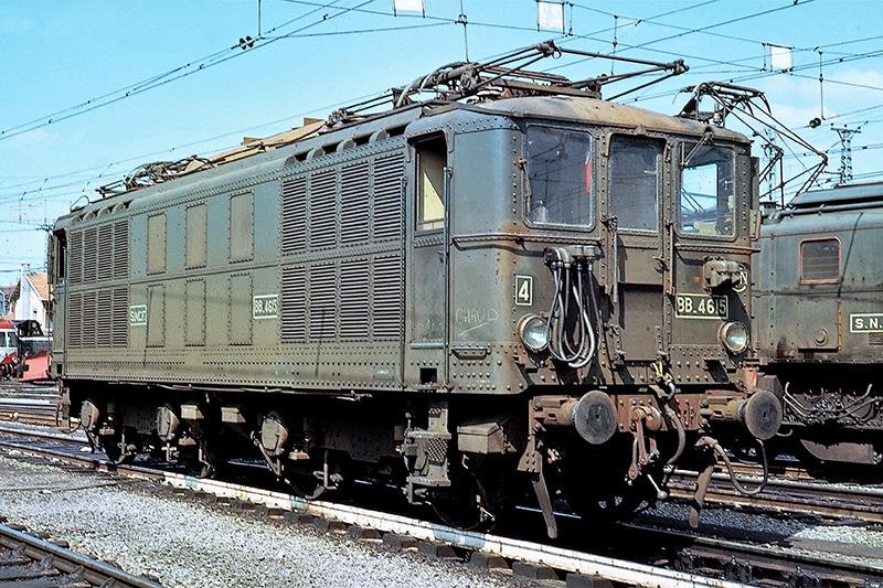 Locomotive électrique BB 4100/4600 SNCF ex MIDI en zéro. Bb_46110