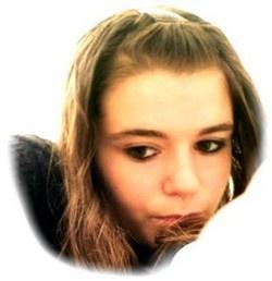Cette jeune fille a disparue Laura_10