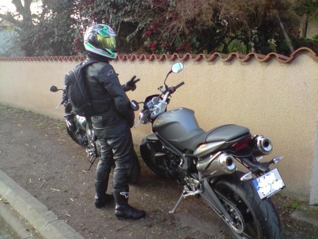 Moto journal comparo gros roadster et Street Triple - Page 2 Street10