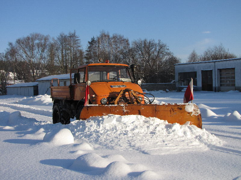 photos unimog chasse neige - Page 2 Img_0910