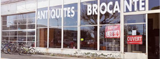 zi25. ISSOUDUN (Indre) - BERRY BROC - Antiquités Brocante - Vide maison - Débarras tous locaux Sans_t57