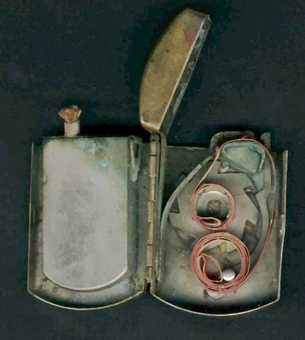 allumage - Briquets à allumage méche ou cigarette particulier Briq_a10