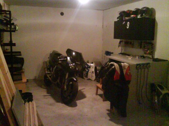Le coin/le garage/l'atelier/le bouiboui  - Page 2 Dsc00010