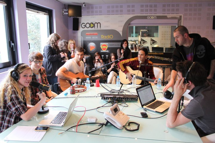 Justin & la bande au Daily Live [ Goom Radio ] V10
