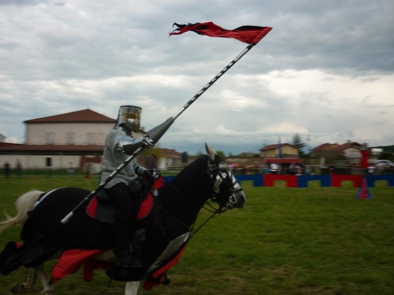 grande fete médiévale de montverdun pour le compte de l'assocoiation histoire et patrimoine 40410