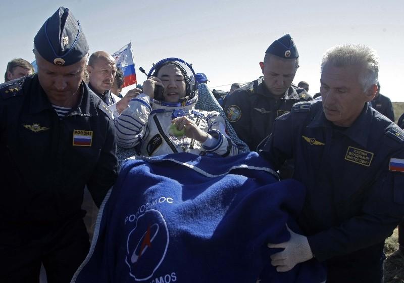Atterrissage de Soyouz TMA-17 02062012