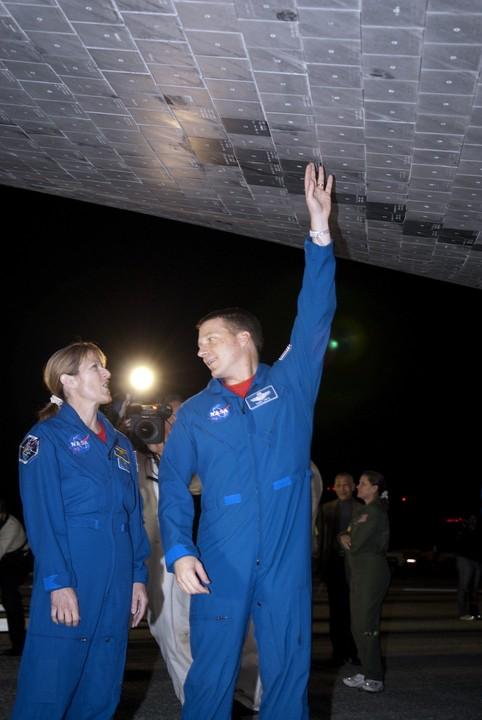 [STS-130] Endeavour : fil dédié au suivi de la mission. - Page 19 2010-114