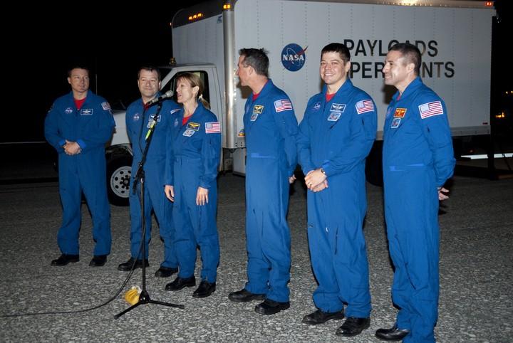 [STS-130] Endeavour : fil dédié au suivi de la mission. - Page 19 2010-120