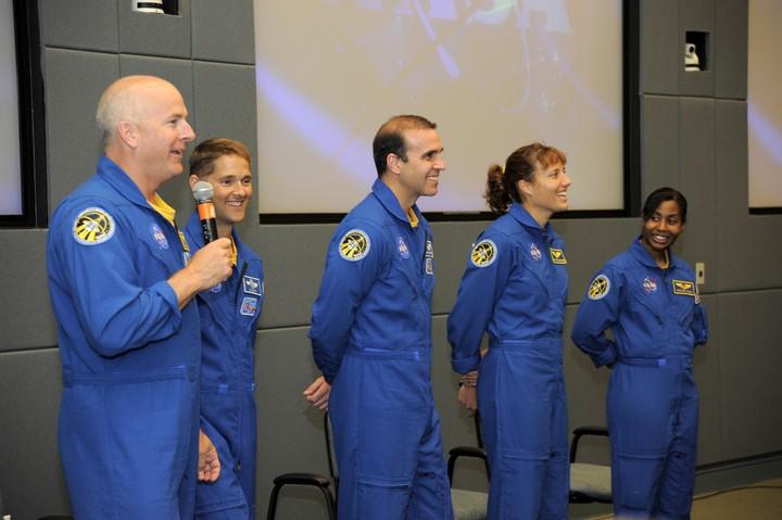 [STS-131 / ISS19A] Discovery : déroulement de la mission - Page 24 2010-313