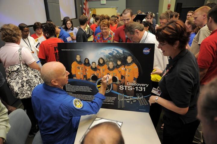 [STS-131 / ISS19A] Discovery : déroulement de la mission - Page 24 2010-316