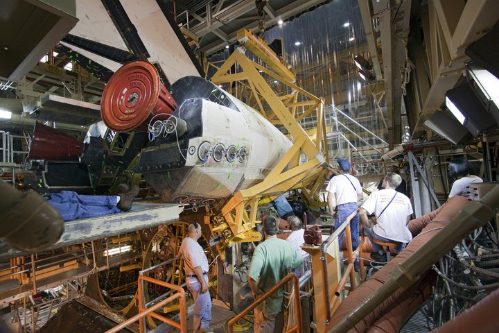 [STS-133] Discovery : Préparatifs (Lancement prévu le 24/02/2011) - Page 3 2010-318