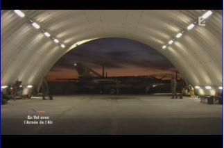 Mardi 23 mars sur FR2 En vol avec l'armée de l'air ( reportage sur le tir d'une ariane 5) Capt_138