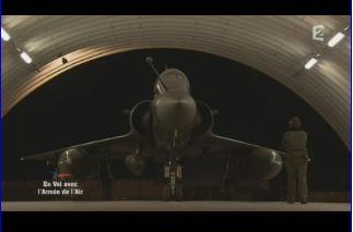 Mardi 23 mars sur FR2 En vol avec l'armée de l'air ( reportage sur le tir d'une ariane 5) Capt_140