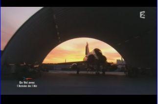 Mardi 23 mars sur FR2 En vol avec l'armée de l'air ( reportage sur le tir d'une ariane 5) Capt_145