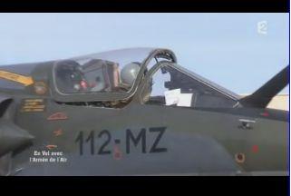 Mardi 23 mars sur FR2 En vol avec l'armée de l'air ( reportage sur le tir d'une ariane 5) Capt_147