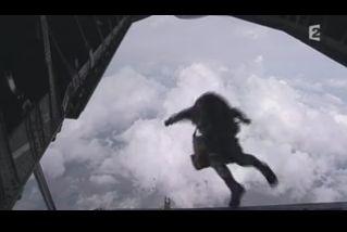 Mardi 23 mars sur FR2 En vol avec l'armée de l'air ( reportage sur le tir d'une ariane 5) - Page 2 Capt_163